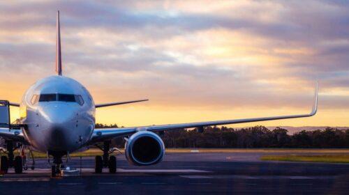 https://aero-hose.com/wp-content/uploads/2021/04/airplane-airport-runway-sunset-tasmania-scaled-min-1024x556-1-500x280.jpg